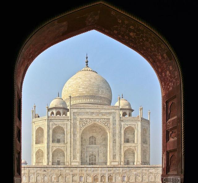 647px-El_Taj_Mahal-Agra_India0023